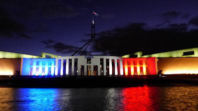 Austalien_parlement_bleu_blanc_rouge_395